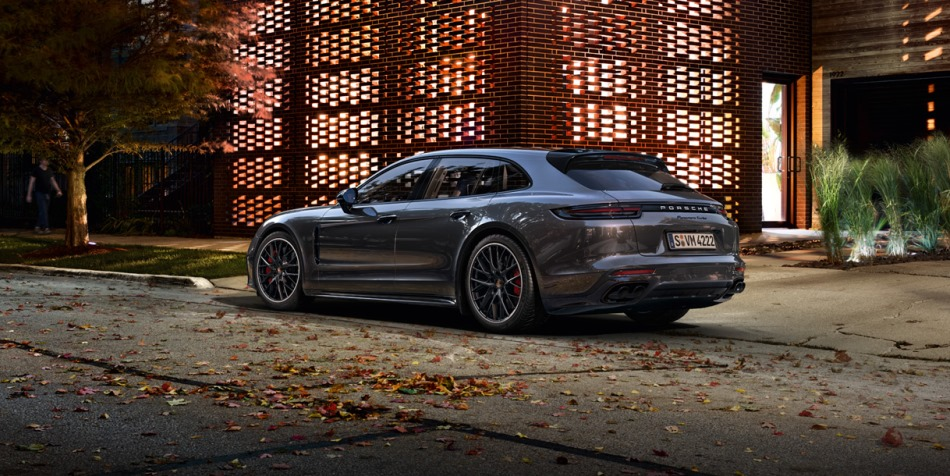 Porsche World Premiere In Geneva Sport Turismo Amp Panamera Turbo S E Hybrid Revealed Woman
